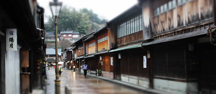 Higashichaya geisha district